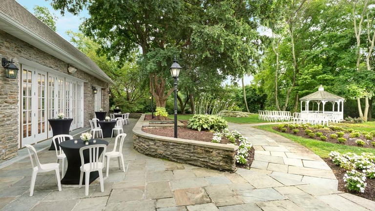 Patio at Red Oak Mansion