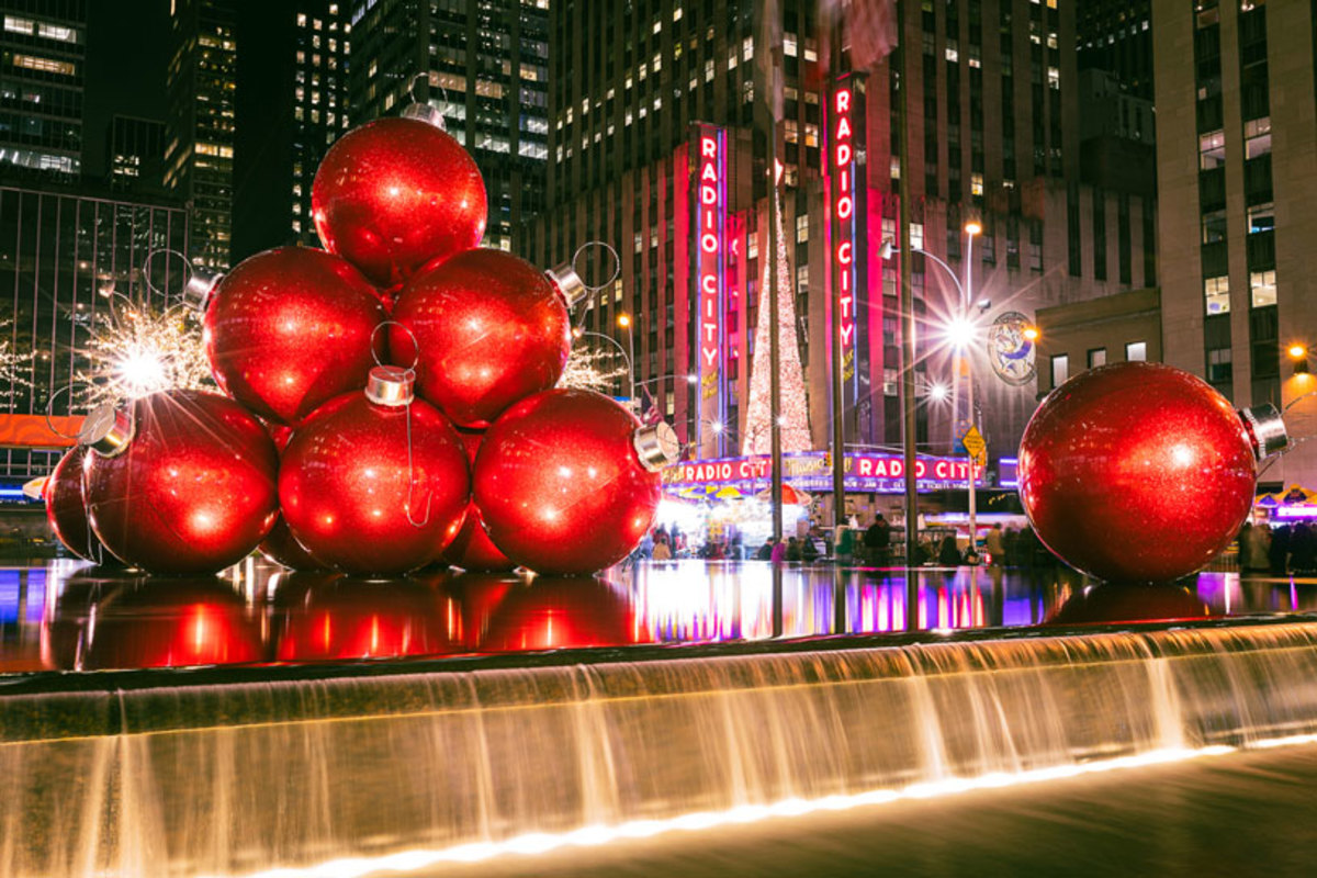 christmas-decorations-outside-radio-city-music-hall-nyc