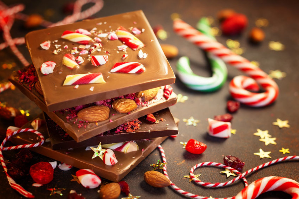 milk-chocolate-bars-with-holiday-candy