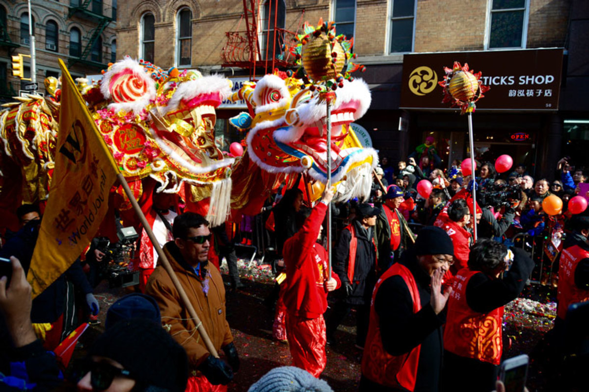 lion-dancers-performing-at-chinese-new-year-parade-in-nyc