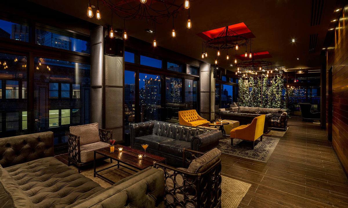 Rooftop bar en Royalton Hotel en Park Avenue, Nueva York.