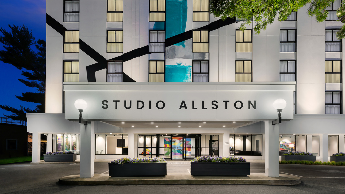 Fabulous Boutique Hotel In Boston Studio Allston Hotel Home Interior And Landscaping Dextoversignezvosmurscom