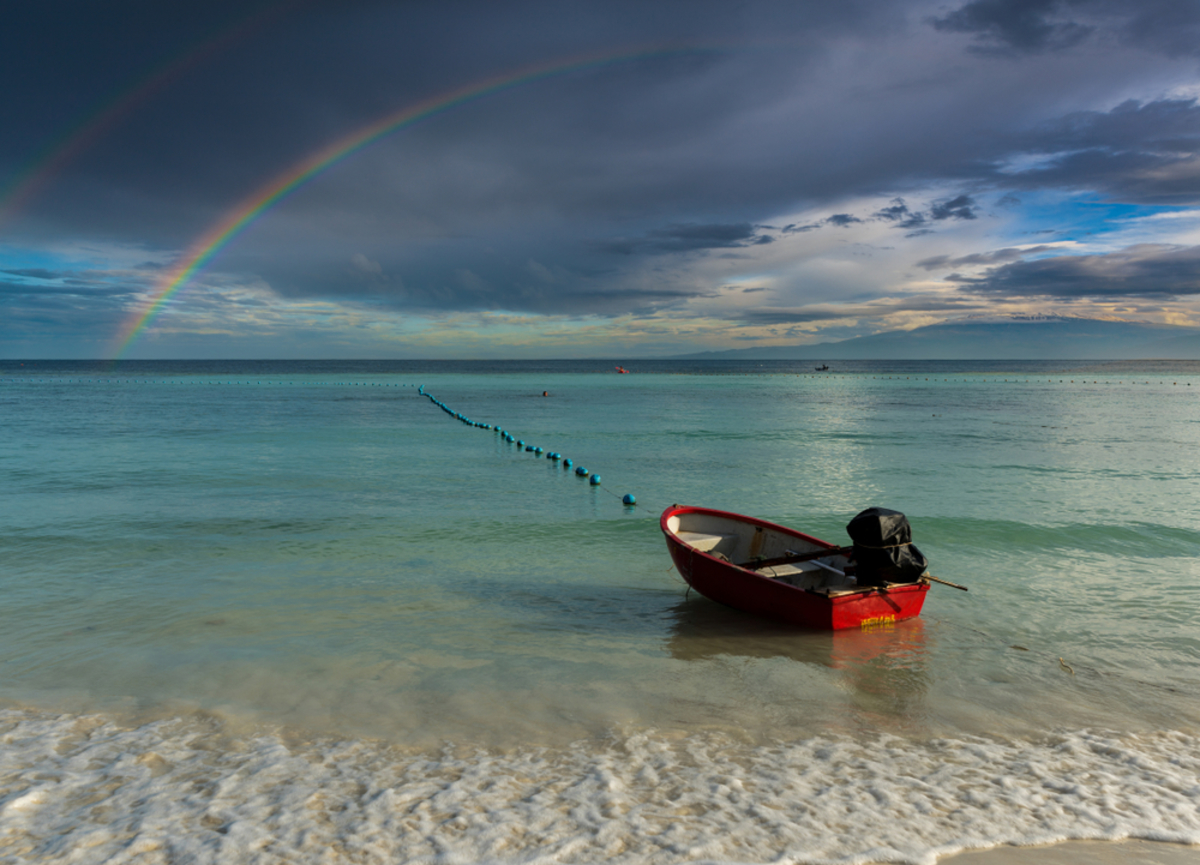 rainbow-over-oahu-rainy-day
