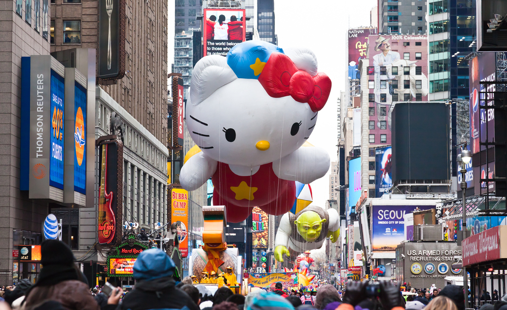 Hello Kitty balloon in the macy's day parade
