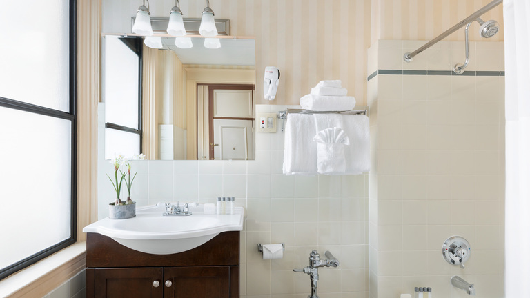 Whitcomb-Bath-2-Web