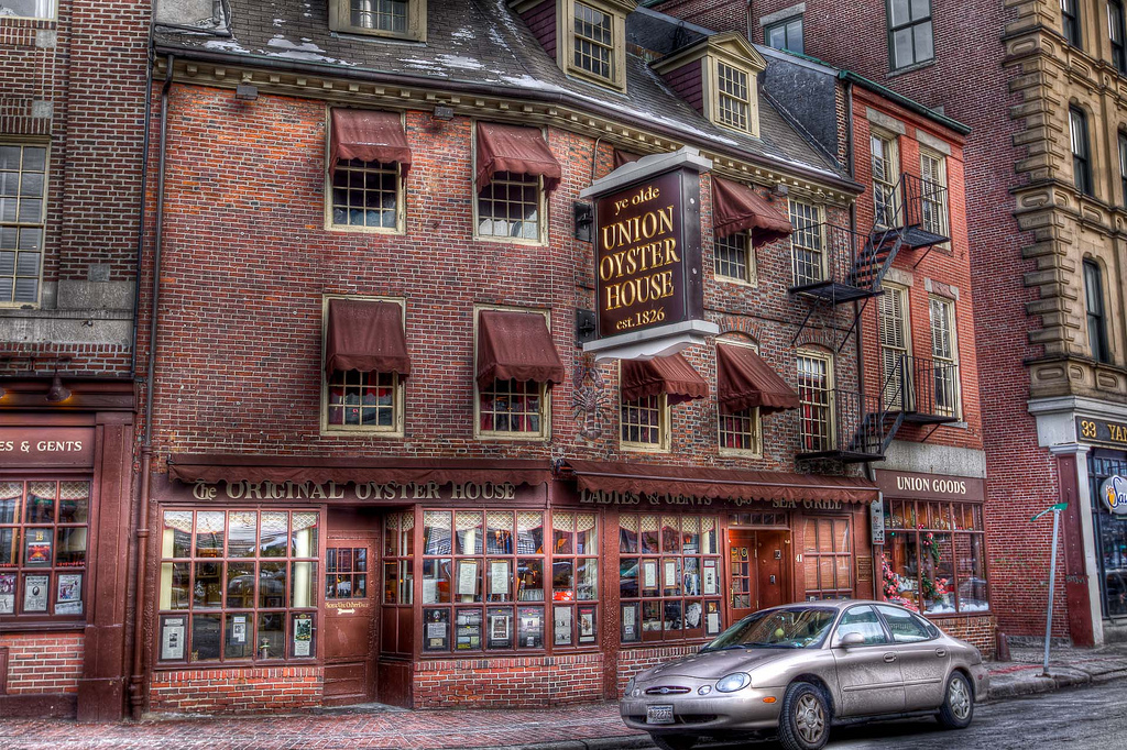 the-historic-watering-holes-of-boston