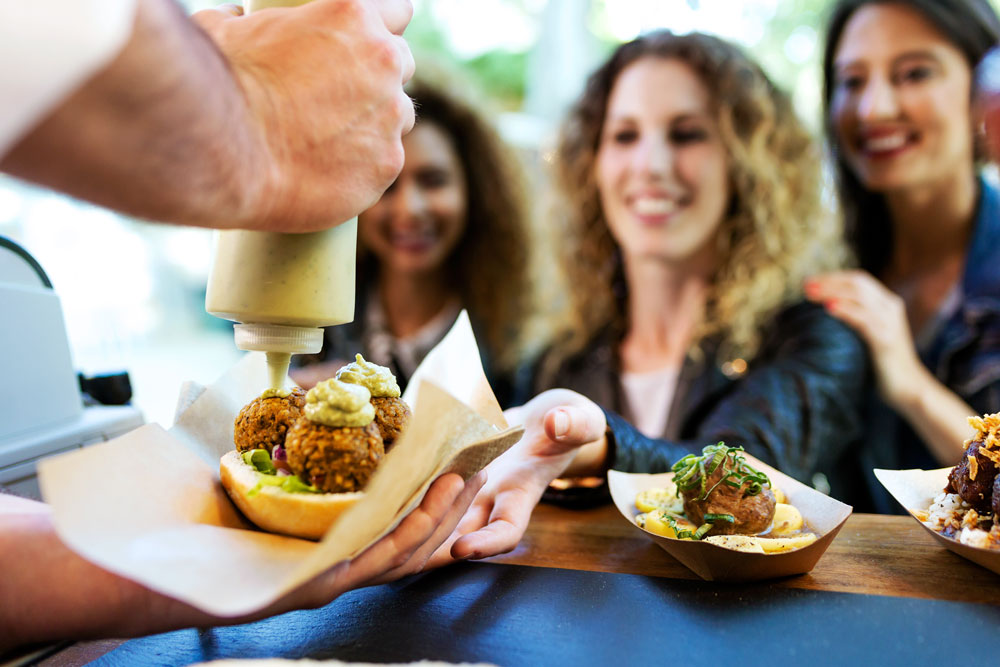 the-ultimate-guide-to-the-sowa-food-truck-scene