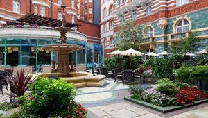 <h5>ST. JAMES' COURTYARD DINING<br />St. James' Court, A Taj Hotel, London</h5>