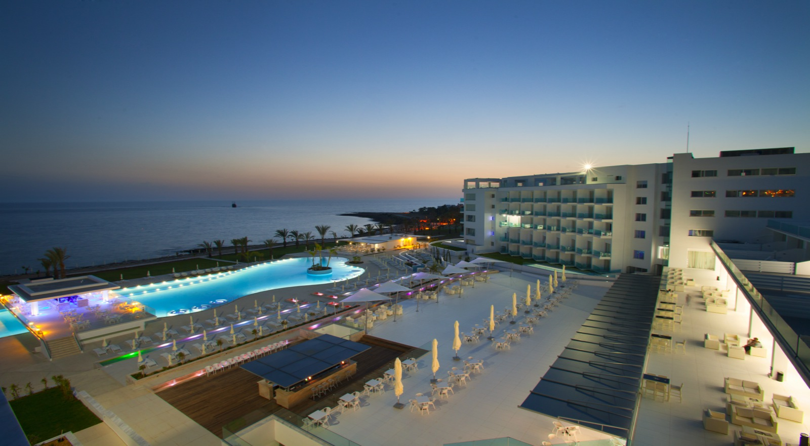 King evelthon beach hotel and resort paphos