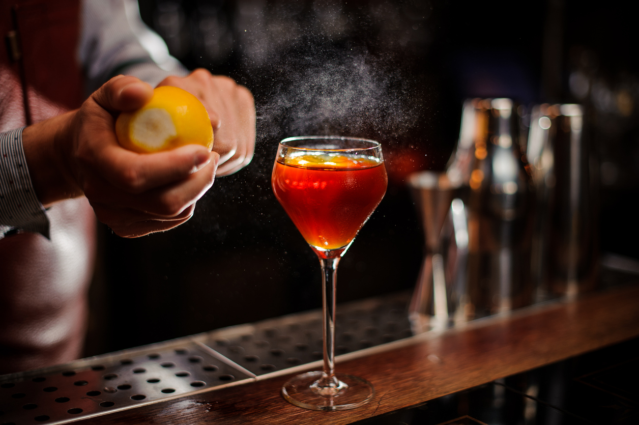 new-yorker-best-bars-in-new-york-city-cocktails