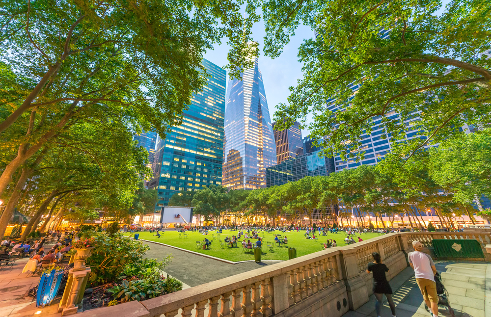 new-yorker-5-parks-in-manhattan-to-discover-this-summer-bryant-park
