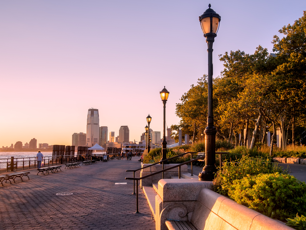 new-yorker-5-parks-in-manhattan-to-discover-this-summer-battery-park