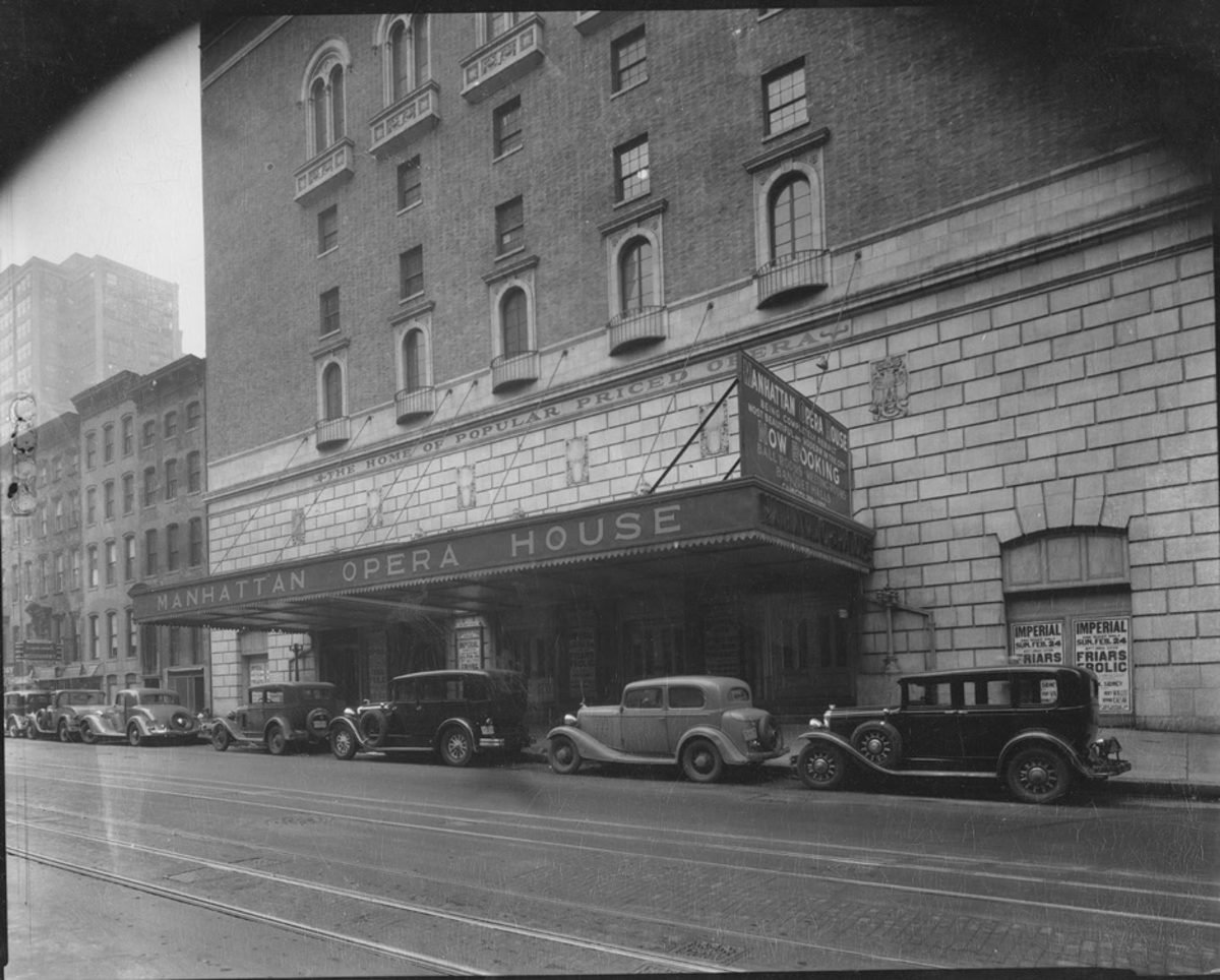 old-photo-of-manhattan-opera-house