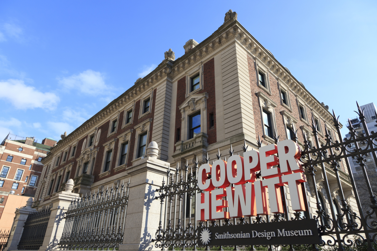 exterior-view-cooper-hewitt-art-museum-in-nyc