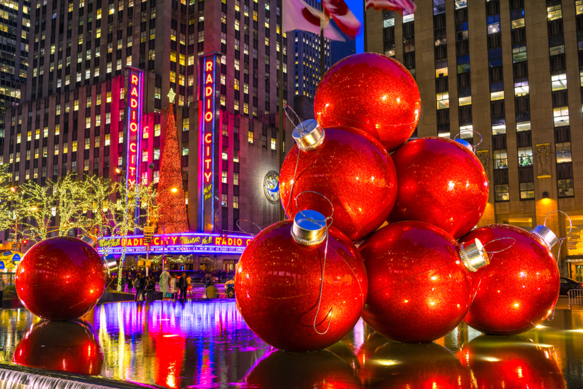 christmas-decorations-in-front-radio-city-music-hall