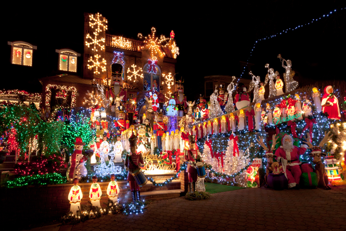 christmas-lights-display-in-home-in-dyker-heights