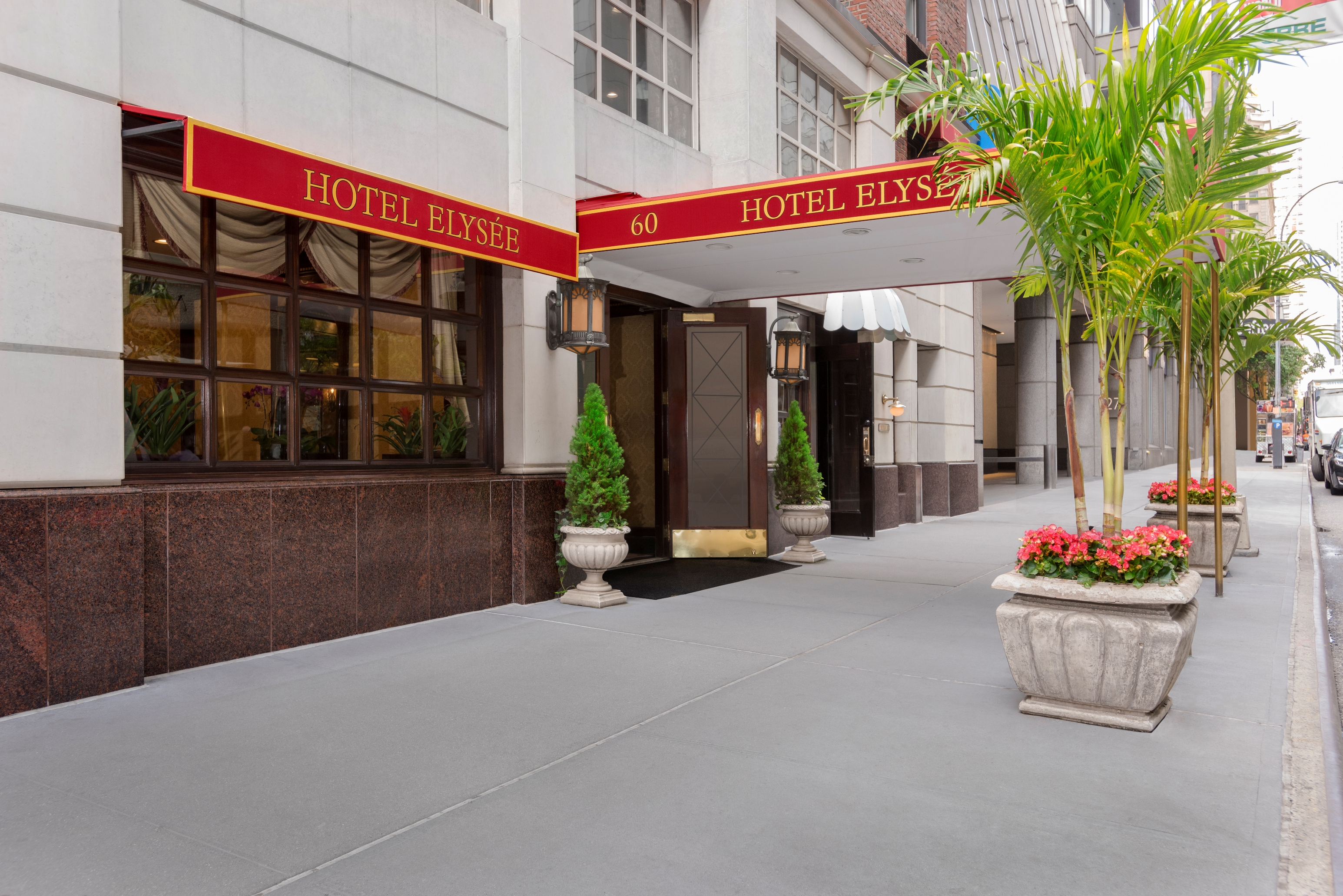 Hotel Elysee New York - Entrance