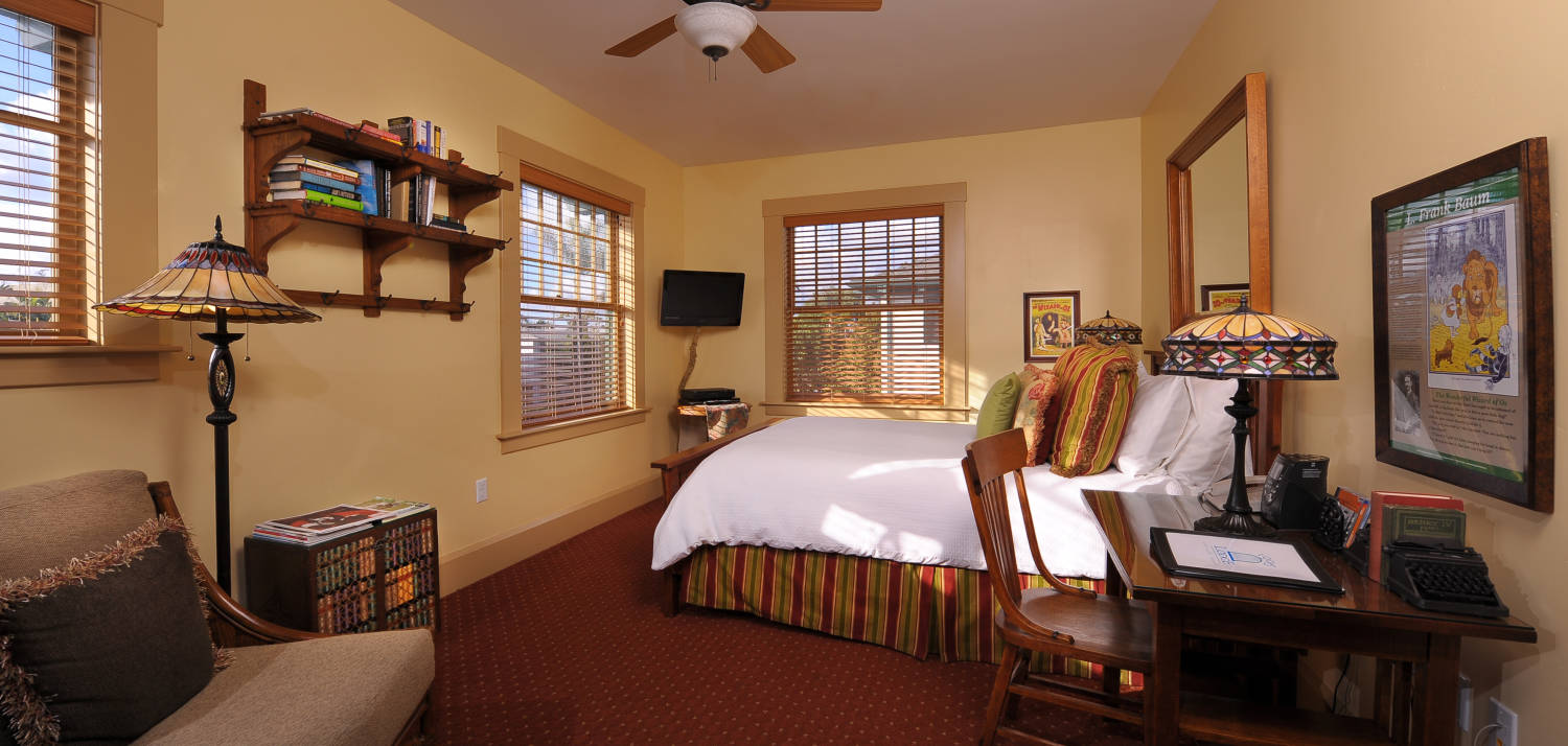 Historic Lodge King Guestrooms