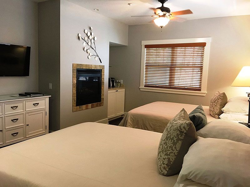 Garden Double Queen Spa Guestroom San DIego | 1906 Lodge